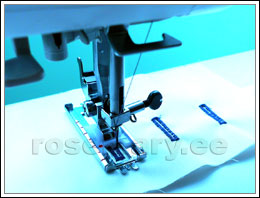 Poolautomaatne 4-etapiline nööpauk. Saab reguleerida nööpaugu piste tihedust (0.5 – 1 mm). Nööpaugu laius 5 mm. NB! Nööpaugu laiust muuta ei saa.