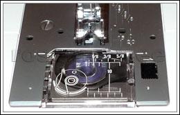 Horisontaalne pöörlev süstik. Kinnikiilumisvaba, pealt laetav poolipesa, mida on mugav puhastada ja kuhu on niidipooli lihtne sisestada ja eemaldada. Läbi läbipaistva süstiku lahtri katte on poolil olev niidihulk alati nähtav. NB! Pöörlevat süstikut kasutatakse ka kõigi uuemate tööstuslike õmblusmasinate juures.